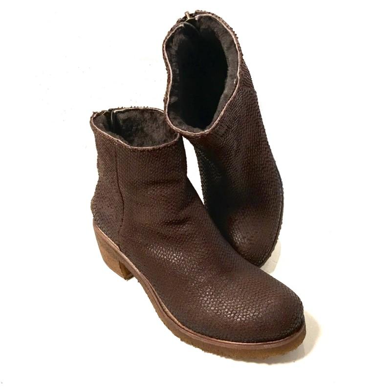 75d98a954fae15 Gefütterte Boots in Leder